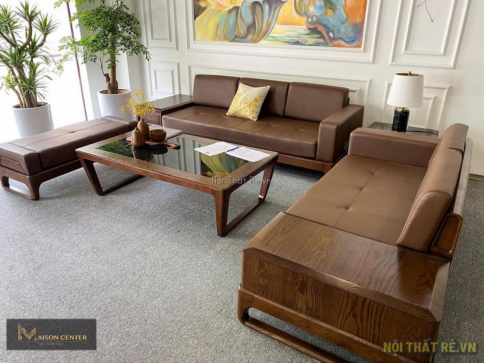 Thảm trải sàn màu ghi ở khu trưng bày sofa
